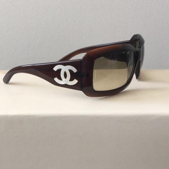 60a12a2fe972 CHANEL Tortoise Shell Sunglasses 🕶